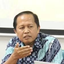 Dr. Agus Mulyana, M. Hum